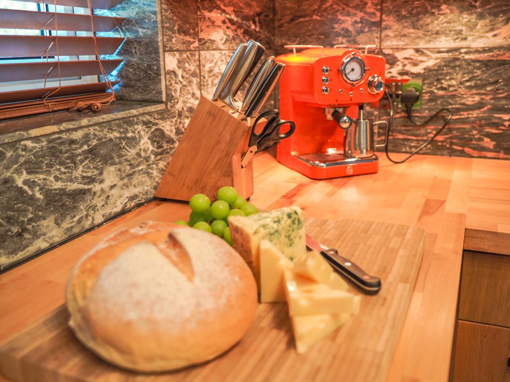 Garth kitchen coffee machine j1 image 2 April 2021 (1 of 1)